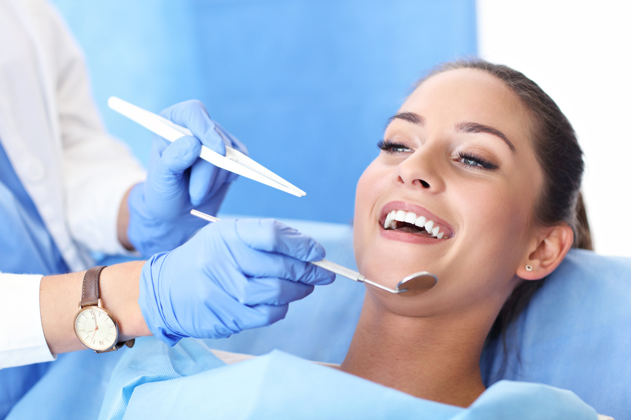 What Procedures Can a Cosmetic Dentist Perform?